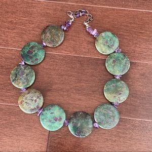 Jewelry - Green / Amethyst Gem Thick Stone Circle necklace